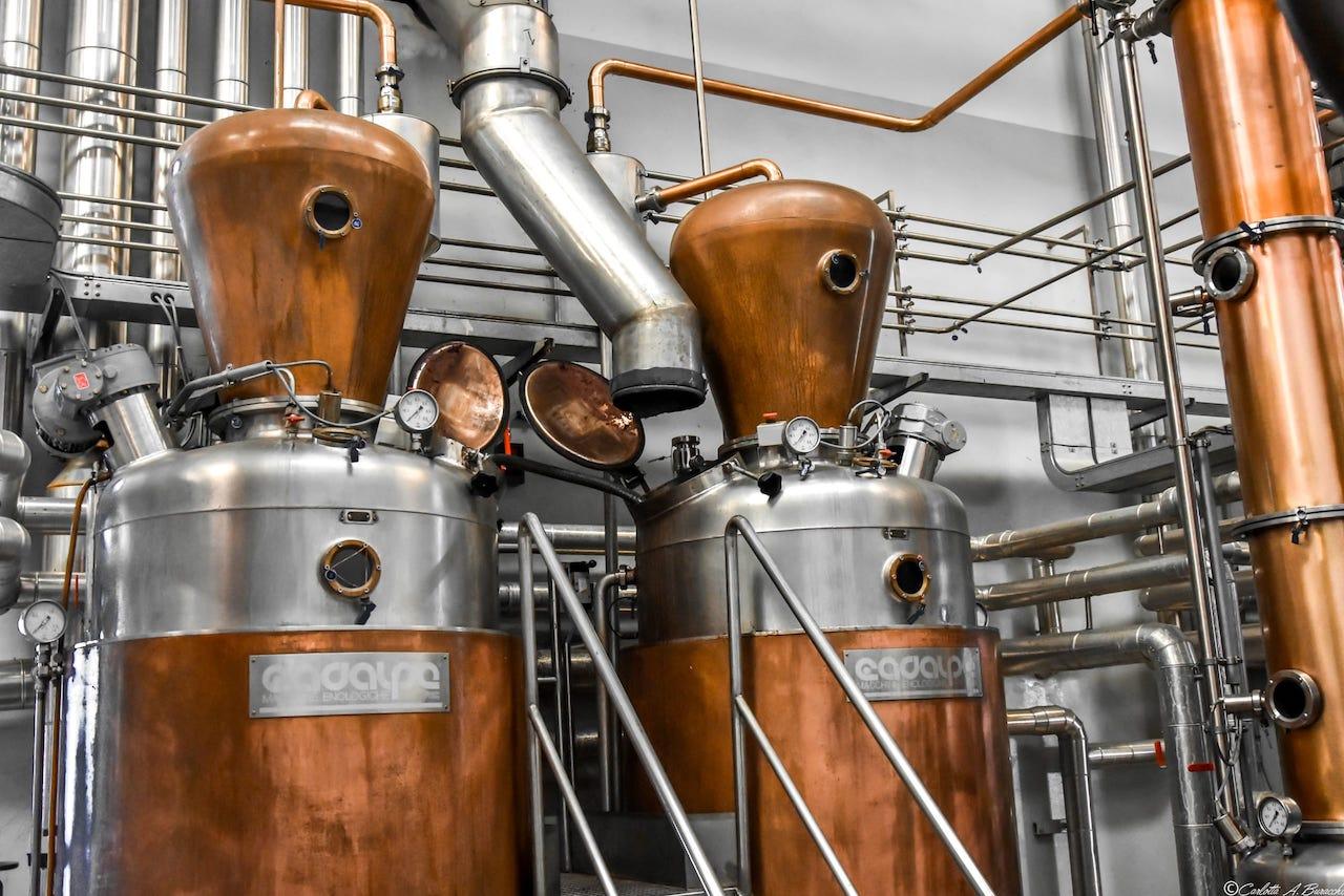 Alambicchi per la distillazione con metodo discontinuo, Distilleria Bertagnolli
