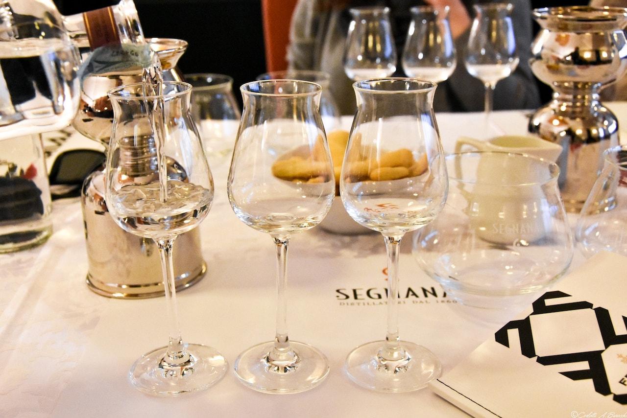 Degustazione Grappa Pinot Nero, distilleria Segnana, Trento
