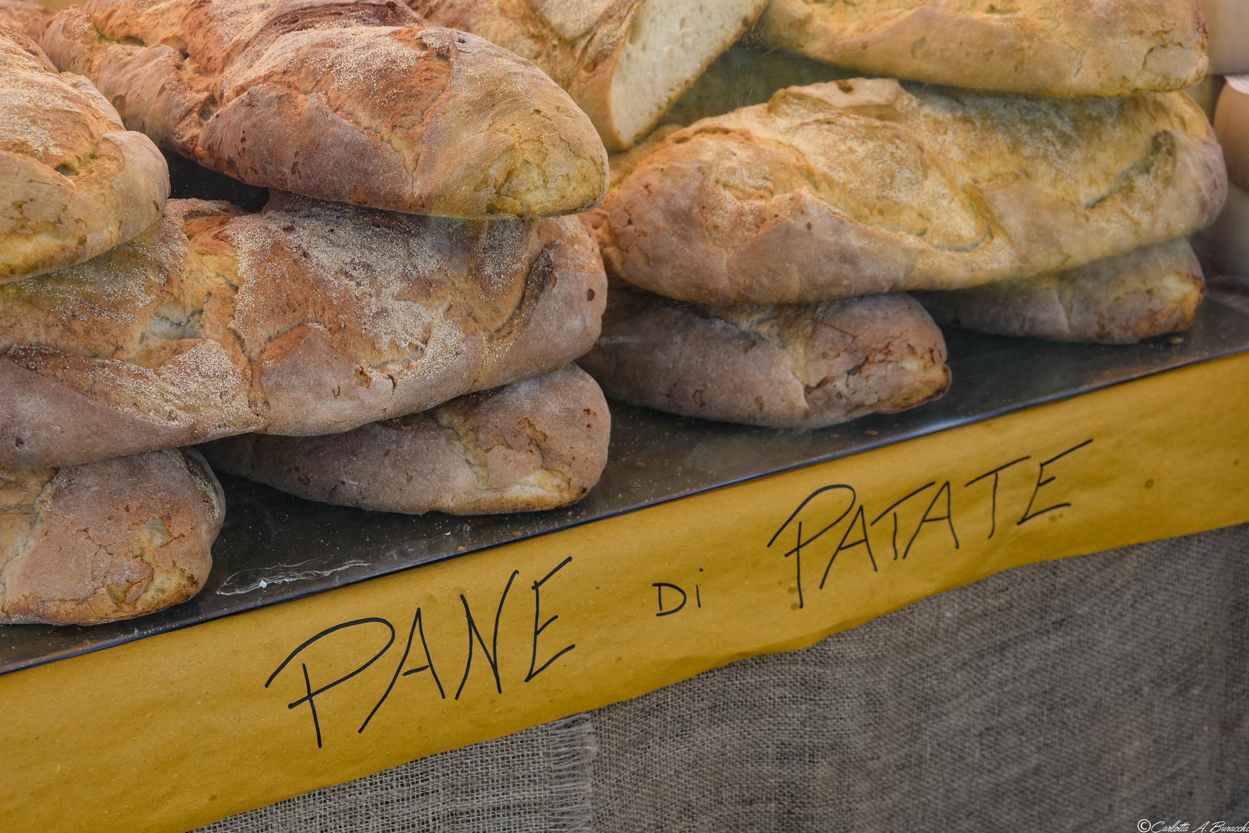 Il pane di patate della Garfagnana può essere prodotto in grandi pezzature proprio a causa dell'elevata conservabilità che gli conferiscono le patate nell'impasto