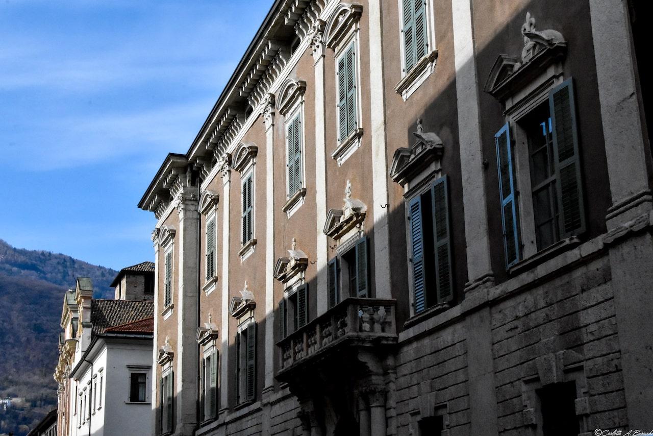 La facciata di Palazzo Függer-Galasso a Trento