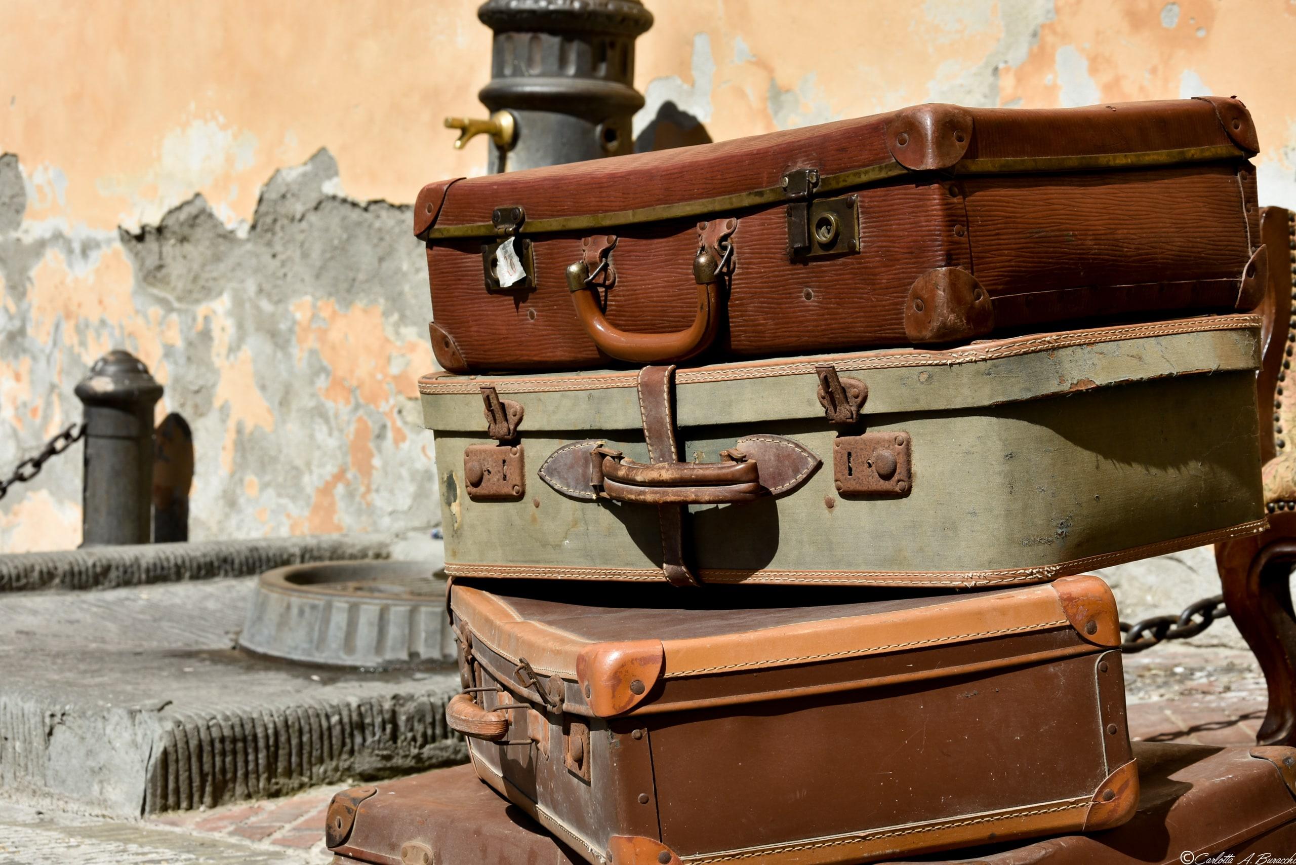 Vecchie valigie alla Fiera Antiquaria di Arezzo
