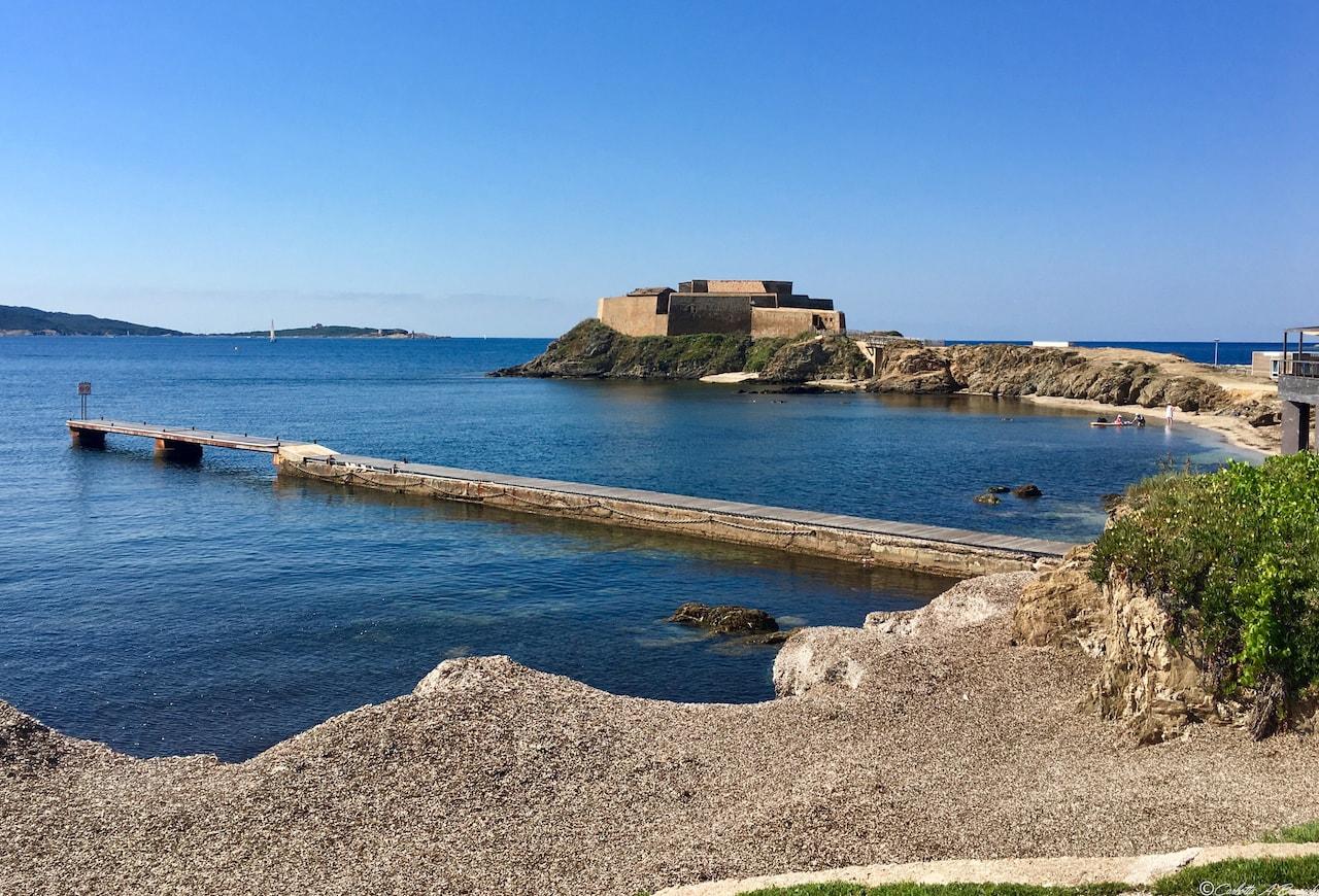 Il porto de La Tour Fondue sulla punta della penisola di Giens