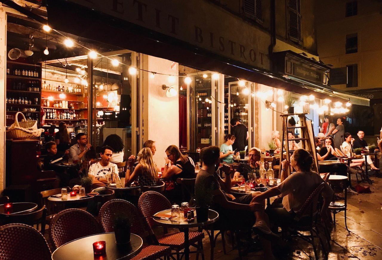 La vivace vita notturna di Aix-en-Provence