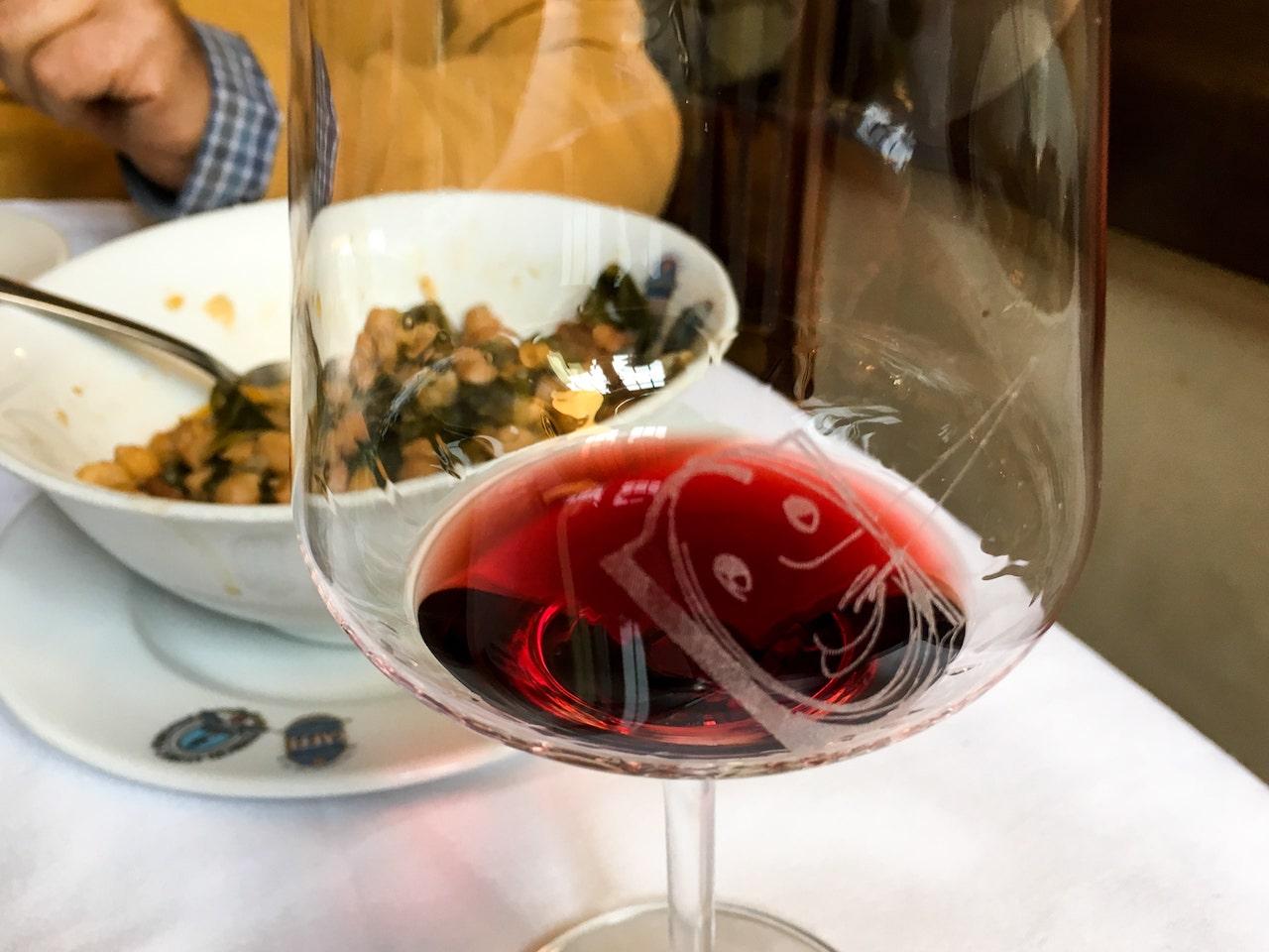 Un bicchiere di Ultimo, che abbiamo provato assieme alla cucina della Trattoria Da Burde di Firenze