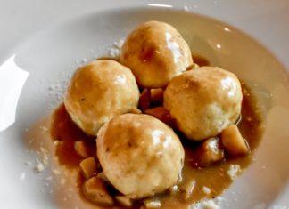Canederli al formaggio con ragoût di funghi porcini, Ristorante La Cacciatora