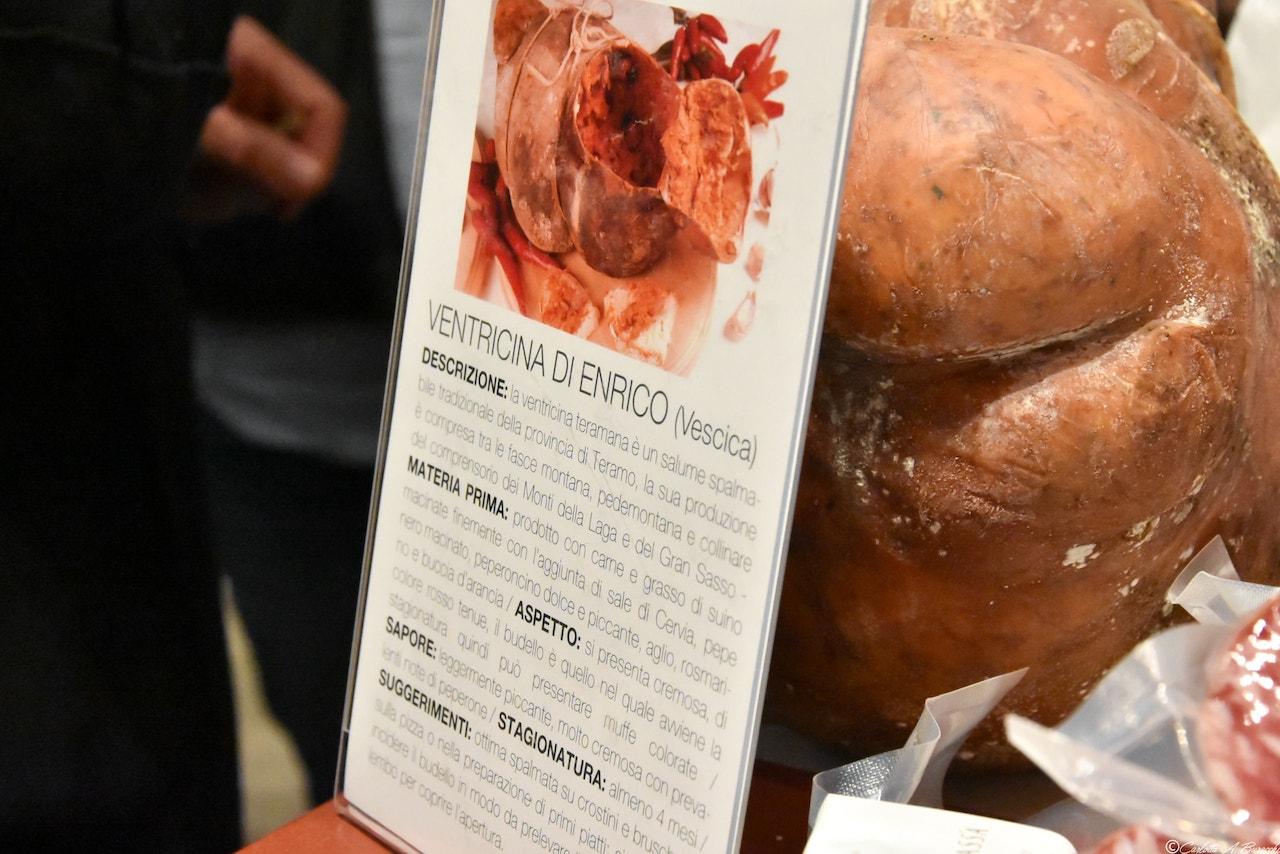 Ventricina nello stomaco: lardo e carne di suino, sale di Cervia, erbe aromatiche, Fracassa salumi, Taste 2018