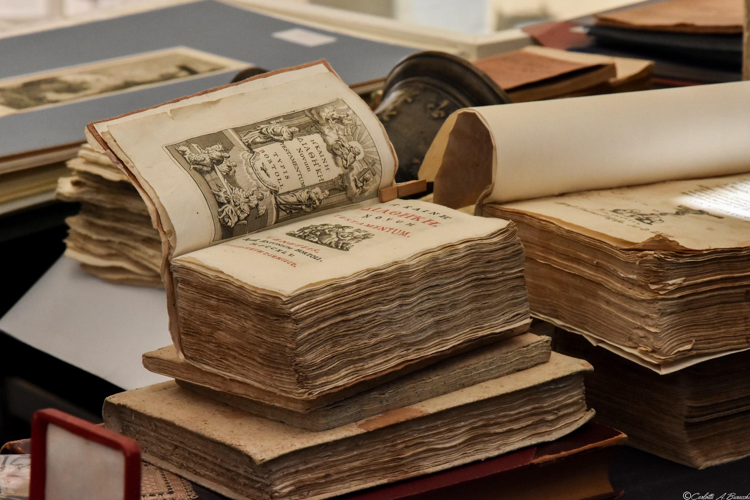 Libro antico alla Fiera Antiquaria di Arezzo