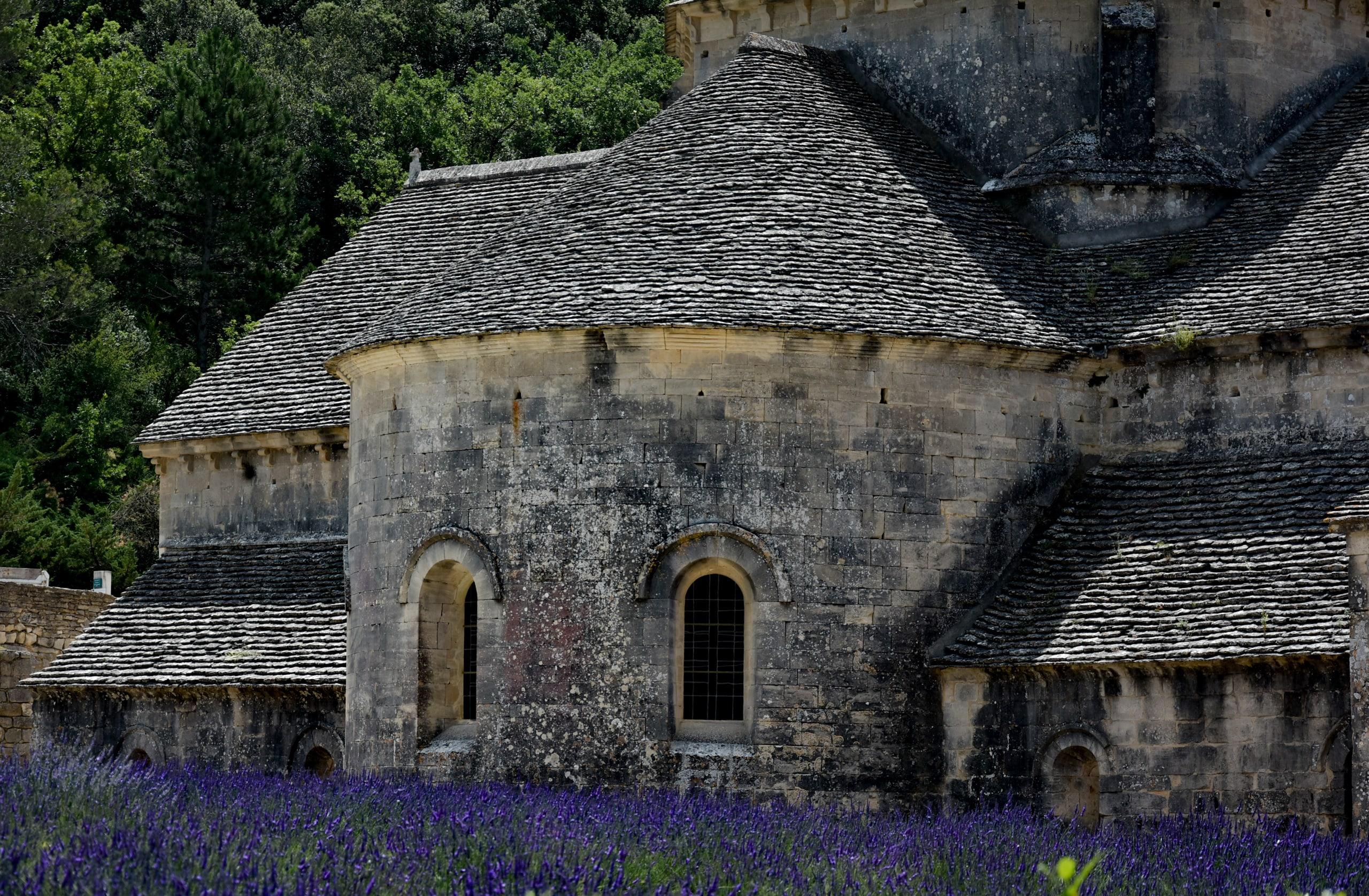 L'abside della chiesa del complesso abbazial e di Sènanque
