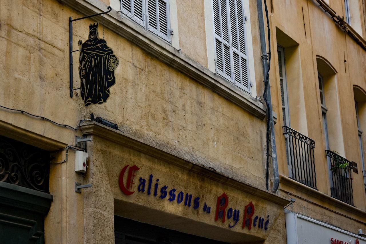 Il negozio di Calissons Le Roi René in rue Saporta, uno dei più antichi della città