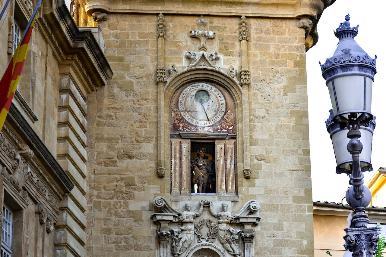 L'Orologio astronomico di Place de l'Hôtel de Ville ad Aix
