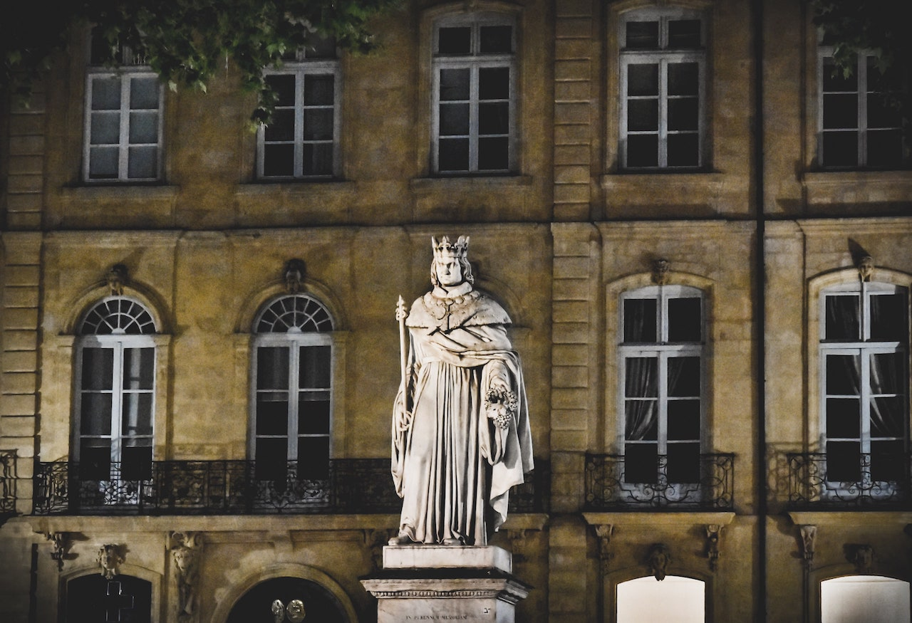 Statua di Re Renato in Cours Mirabeau ad Aix-en-Provence