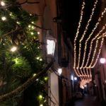 Via Roma a Terni, illuminata dalle luminarie natalizie